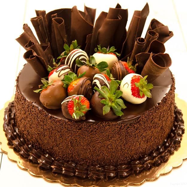 Torta chocolate y fresas <code></code><code></code>